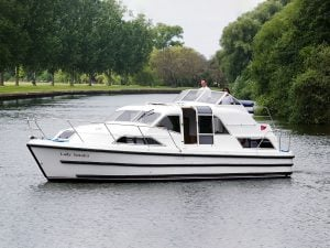boating holidays on the River Thames