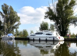 Barge hire on the Norfolk Broads